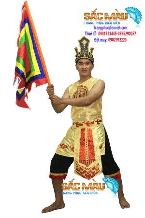 trang-phuc-vua-hung