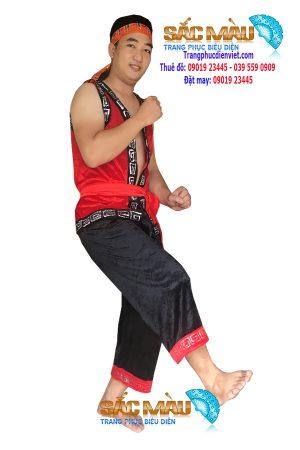 trang-phuc-dan-toc-meo-nam